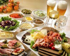 5 Reasons to Enjoy a Lunch Out